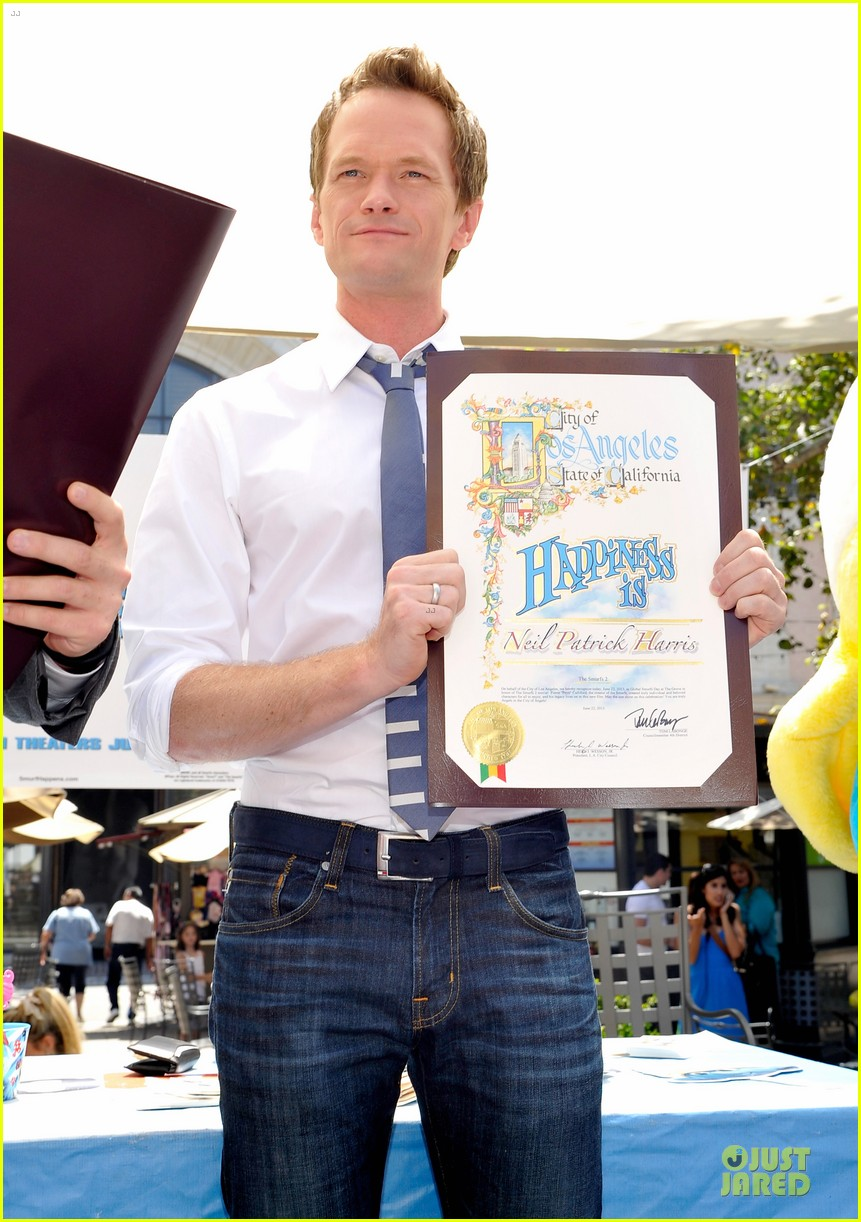 neil patrick harris global smurfs day celebration 122896357