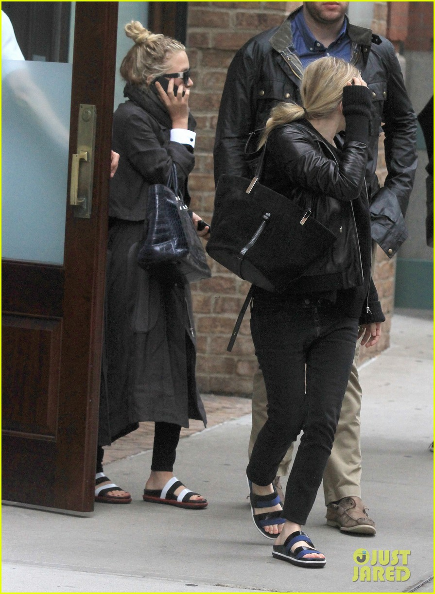 mary kate ashley olsen step out on 27th birthday 12