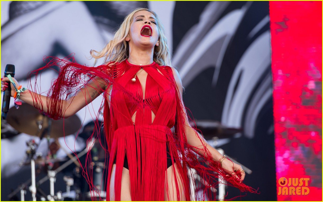 rita ora glastonbury festival after malta trip 14