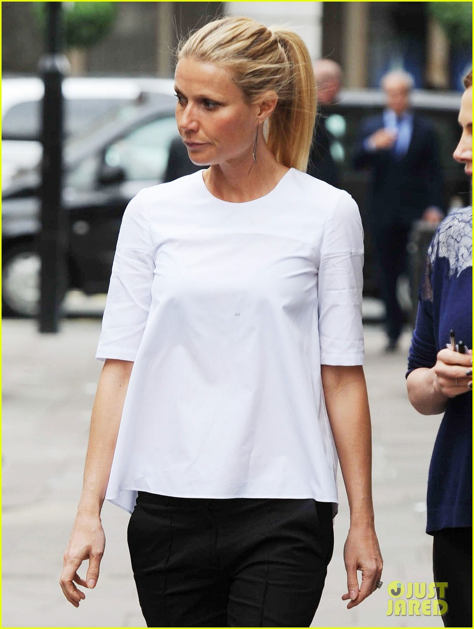 gwyneth paltrow monday morning stroll in london 05