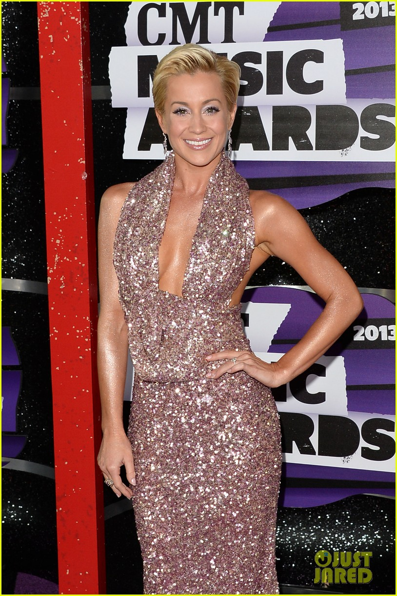 kellie pickler jana kramer cmt music awards 2013 red carpet 14