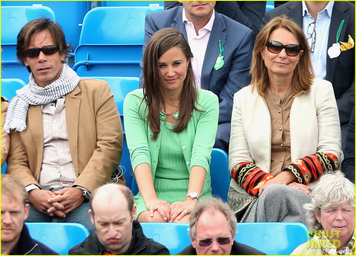 pippa middleton aegon championships with mom carole 16