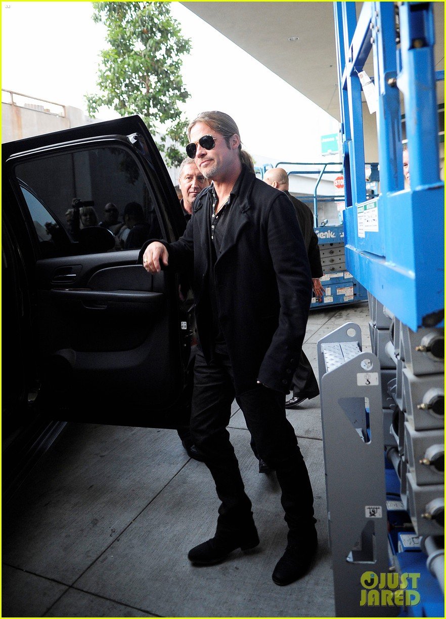 brad pitt continues world war z surprises in los angeles 032886724