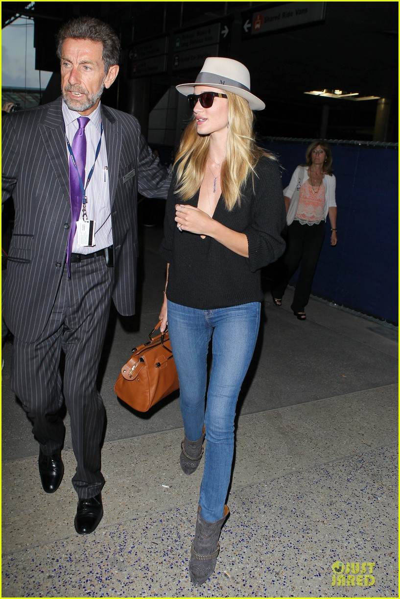 rosie huntington whiteley new face of modelco 052881860