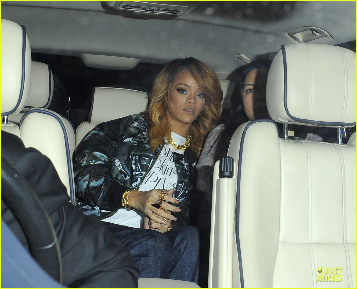 rihanna lillie bordello nightclub with jennifer rosales 12