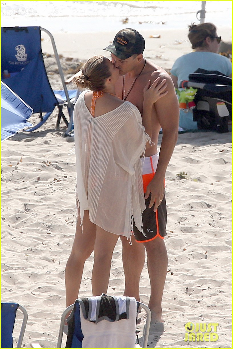 leann rimes bikini beach trip for eddie cibrian 40th bday 03