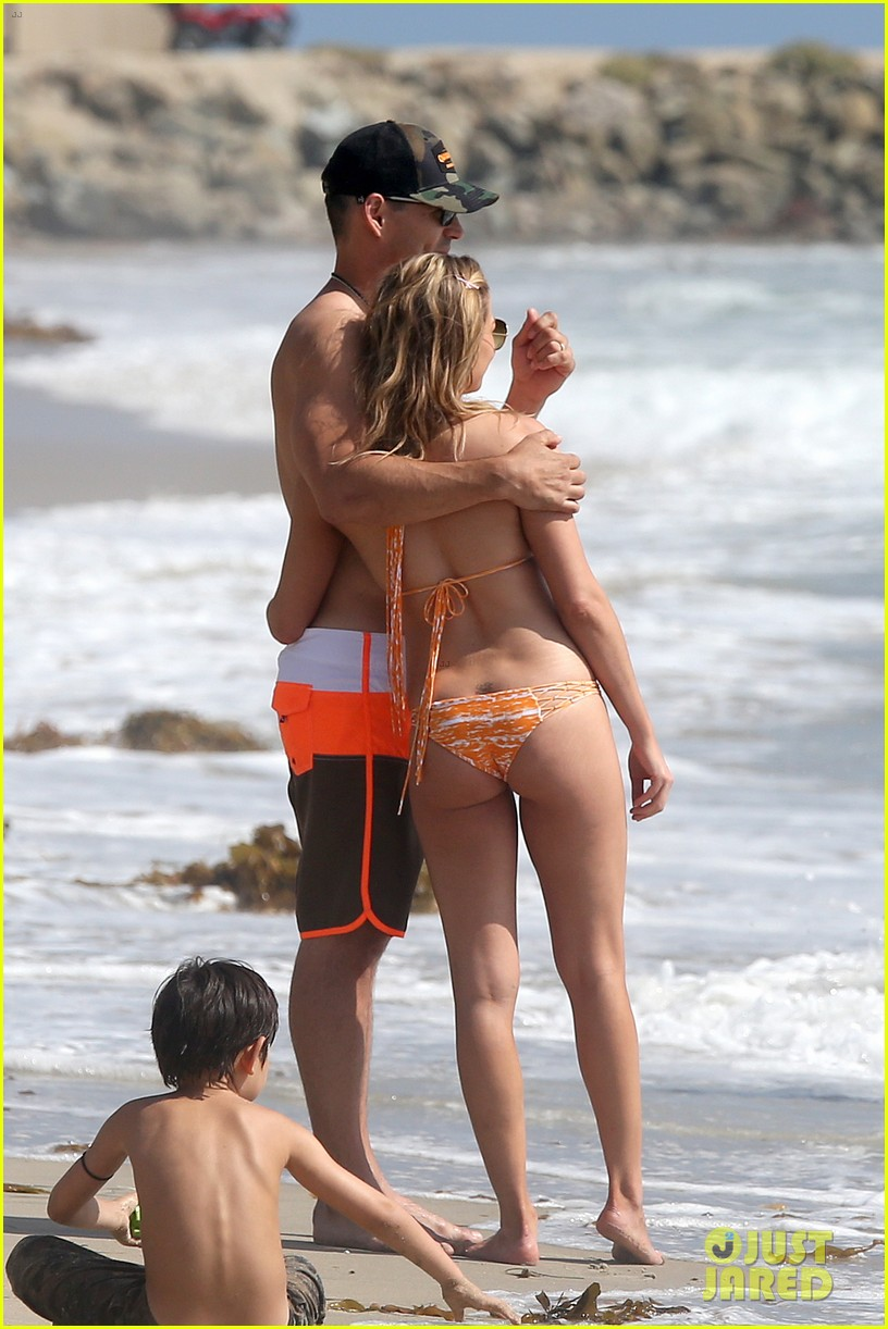 leann rimes bikini beach trip for eddie cibrian 40th bday 12