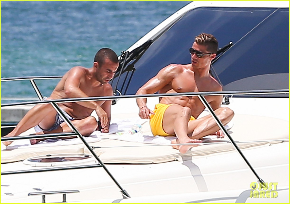 cristiano ronaldo shirtless yacht ride in miami 182891365
