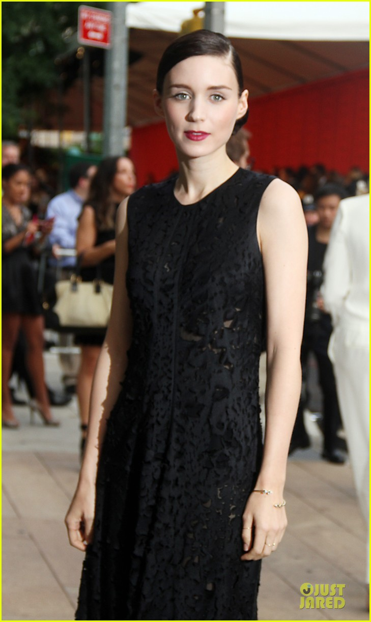 rooney kate mara cfda fashion awards 2013 red carpet 062883944