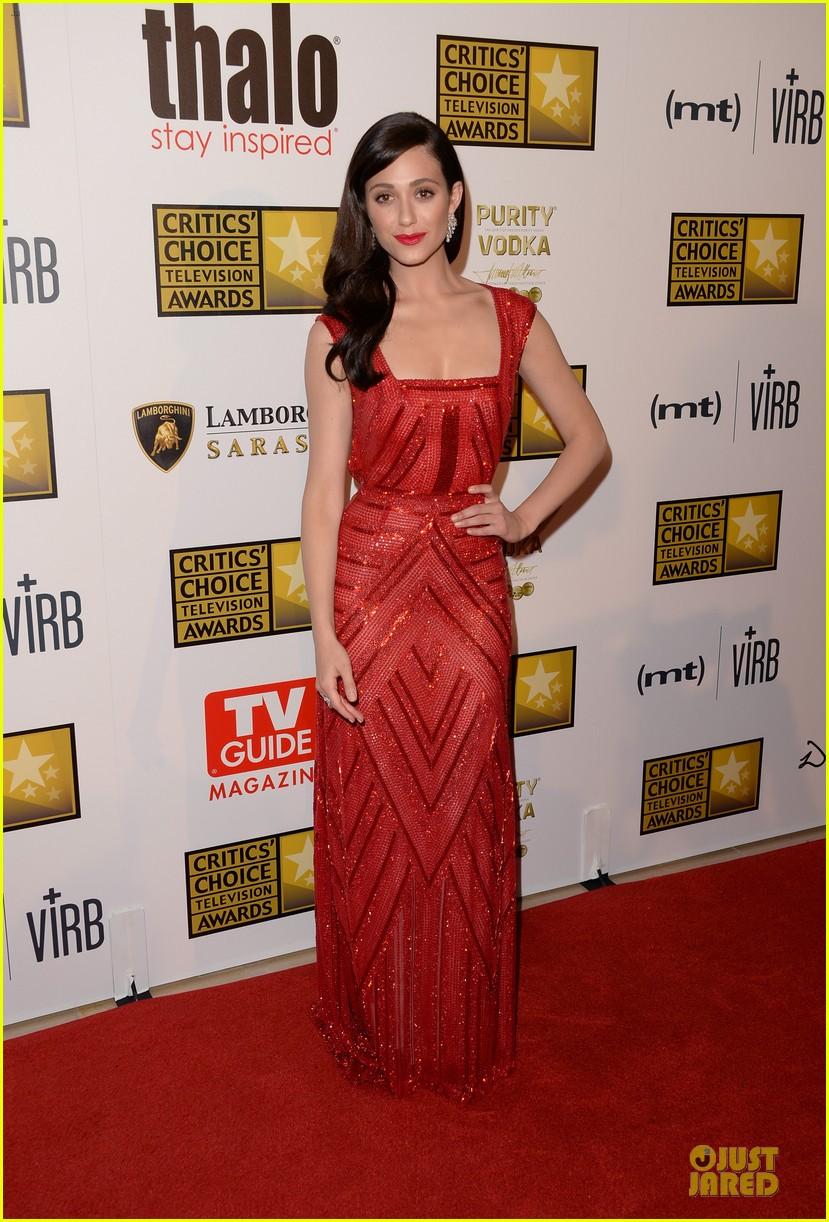 emmy rossum elisabeth moss critics choice television awards 2013 red carpet 012888798