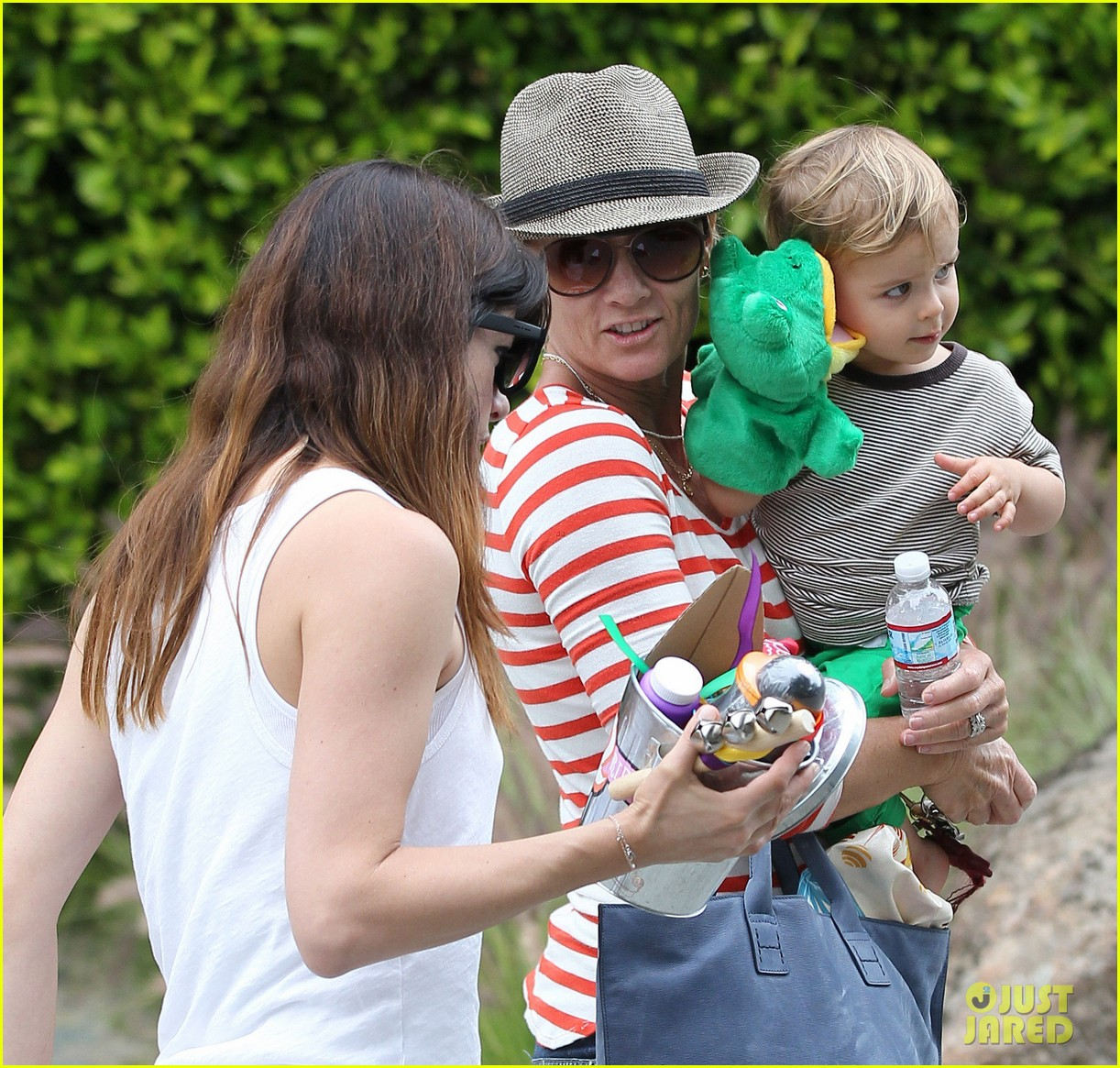 sandra bullock selma blair birthday party with the boys 18