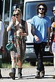 sienna miller tom sturridge glastonbury festival couple 01