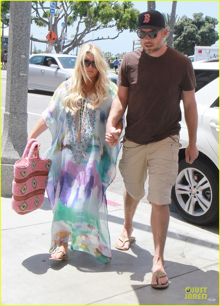 jessica simpson eric johnson hold hands for maxwell less lunch 13