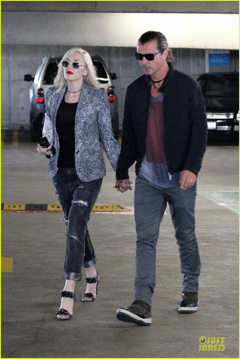 gwen stefani gavin rossdale hold hands before fathers day 12
