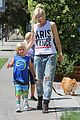 gwen stefani gavin rossdale ice cream with the kids 21