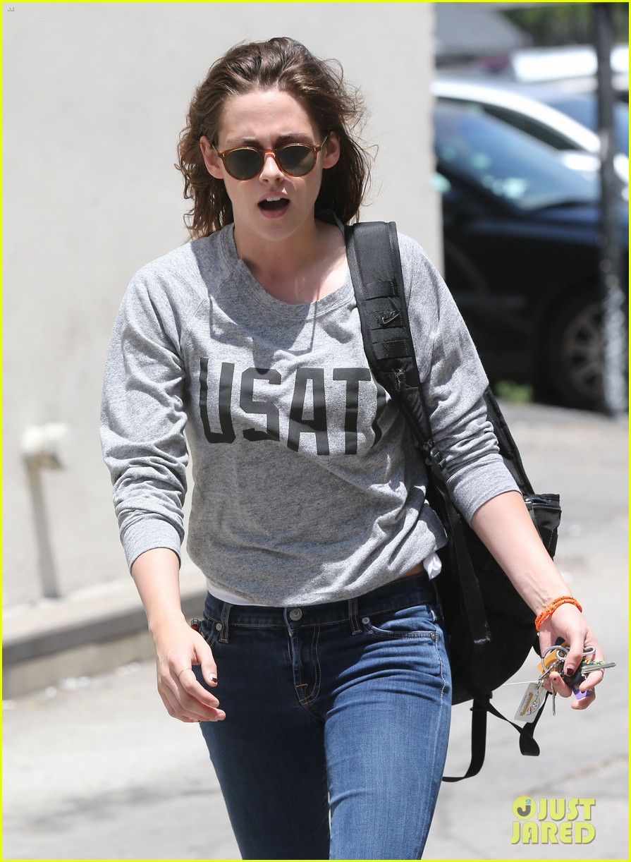 kristen stewart office building stop on thursday 022890731