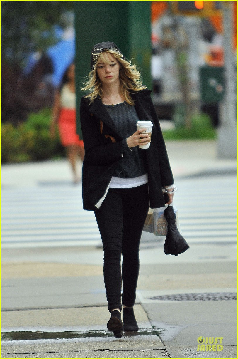 emma stone he fking perfect is close to universal deal 122891456