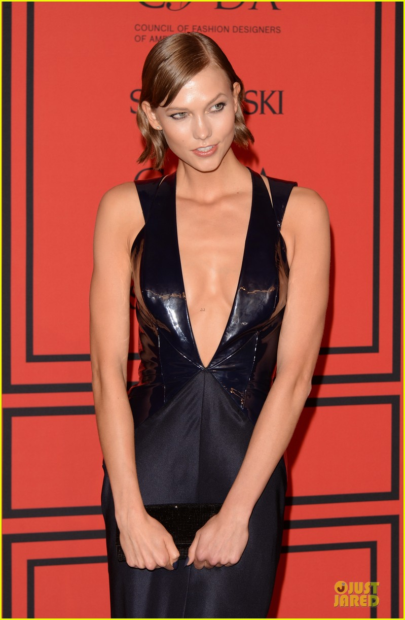 candice swanepoel karlie kloss cfda fashion awards 2013 red carpet 04