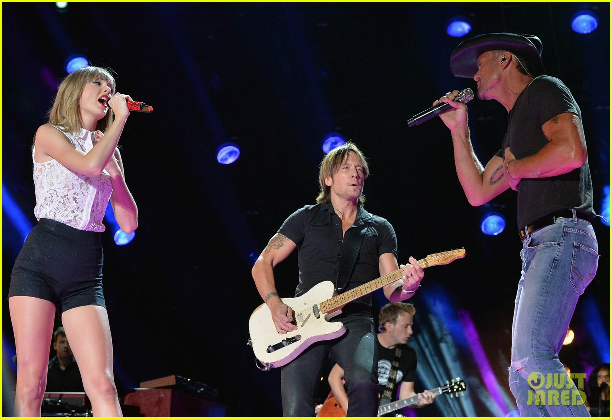 taylor swift keith urban tim mcgraw cma music festival 08