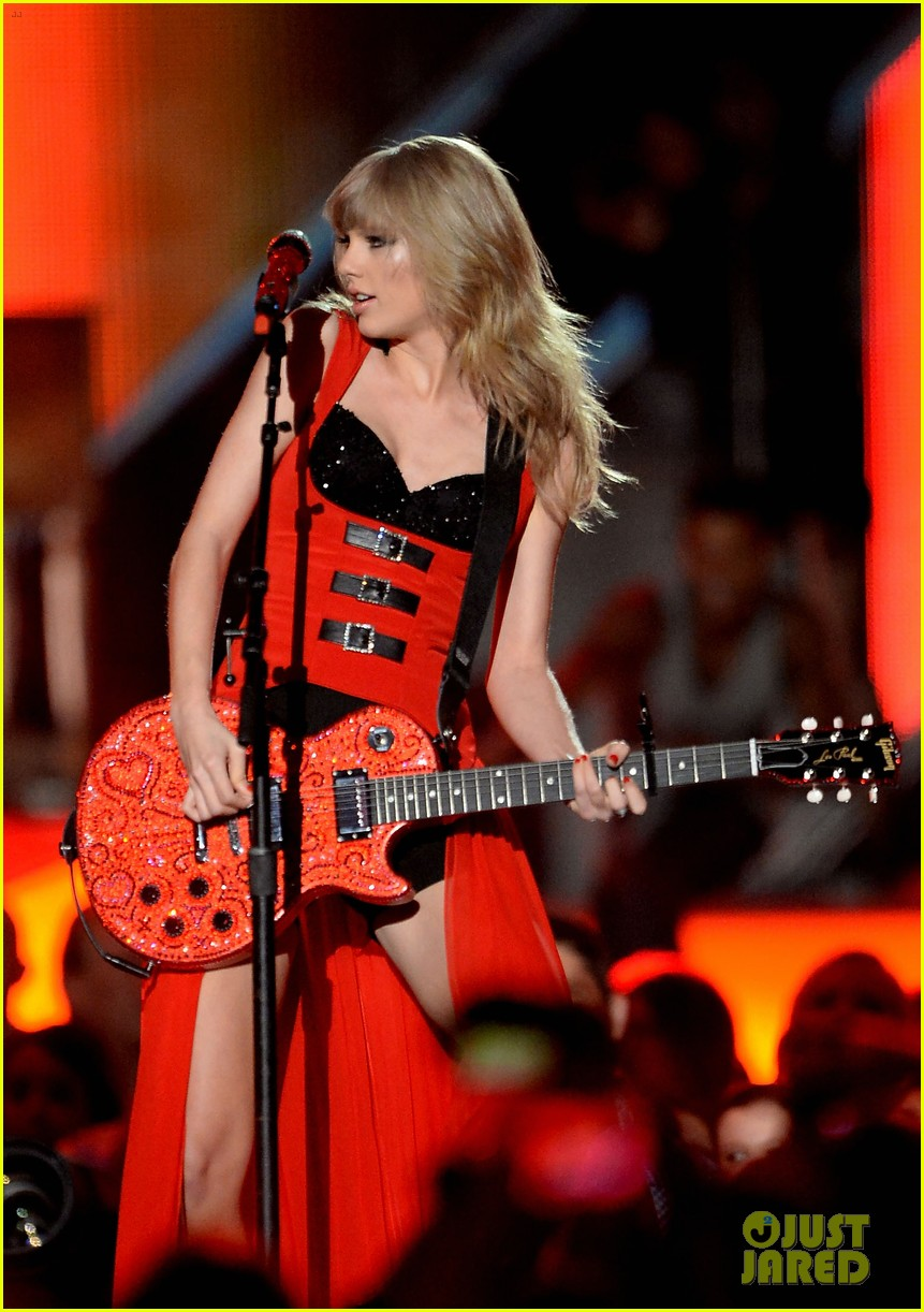 taylor swift cmt music awards performance 2013 video 22
