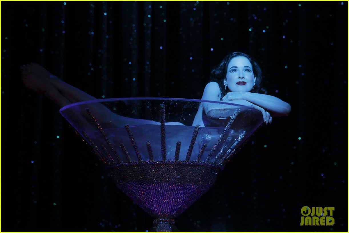 dita von teese strip strip hooray show exclusive pics 022897524