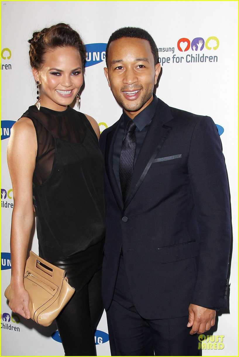 chrissy teigen john legend hope for children gala 02
