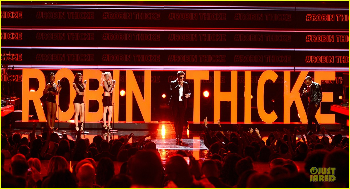 robin thicke bet awards 2013 performance video 072901487
