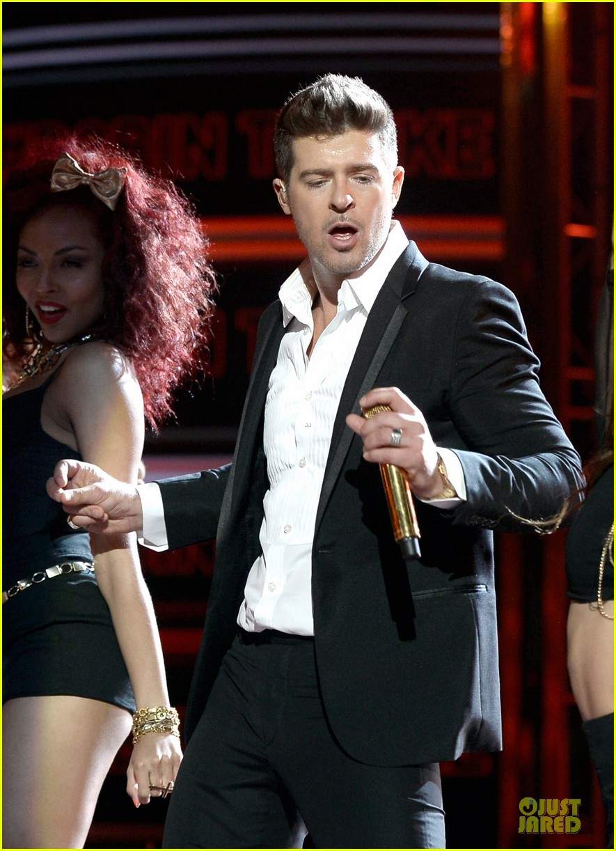 robin thicke bet awards 2013 performance video 17