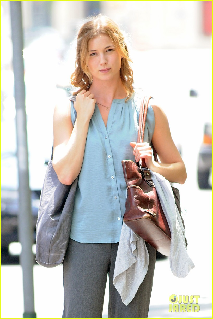 emily vancamp girl in the book kickstarter 04
