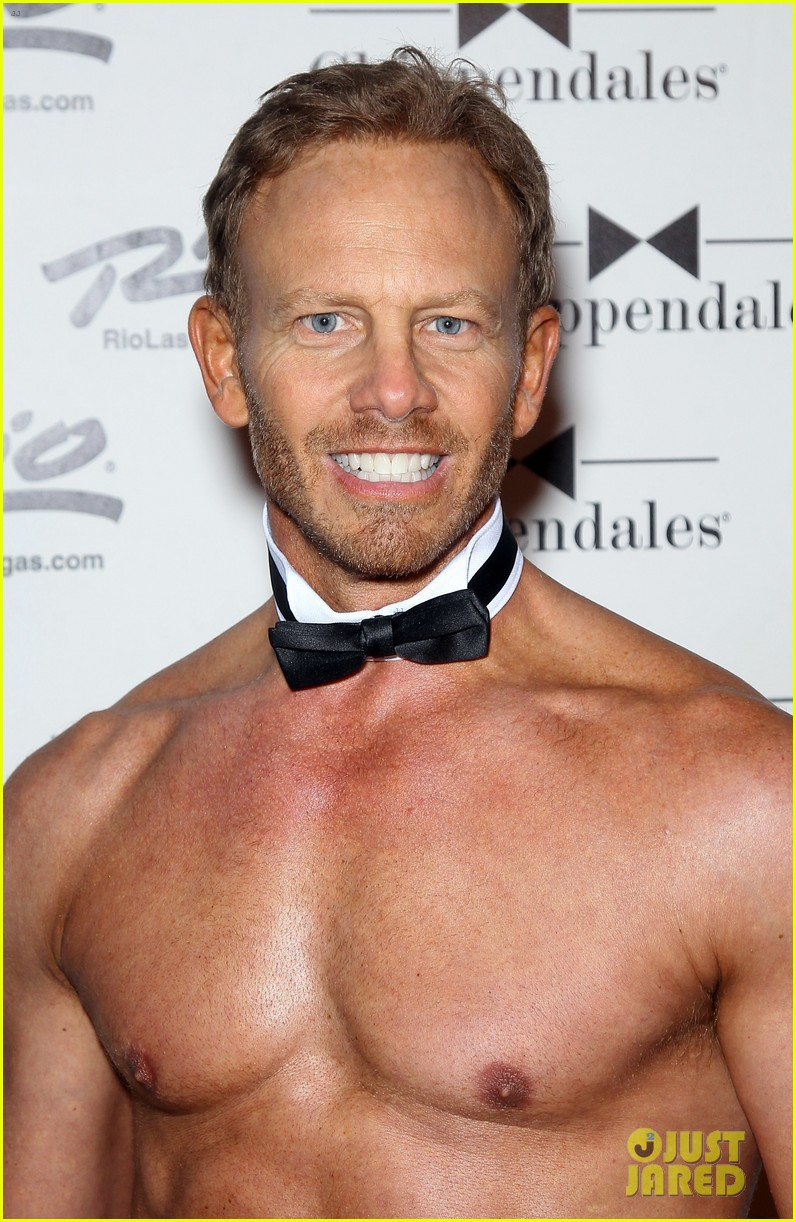 ian ziering shirtless chippendales debut 02