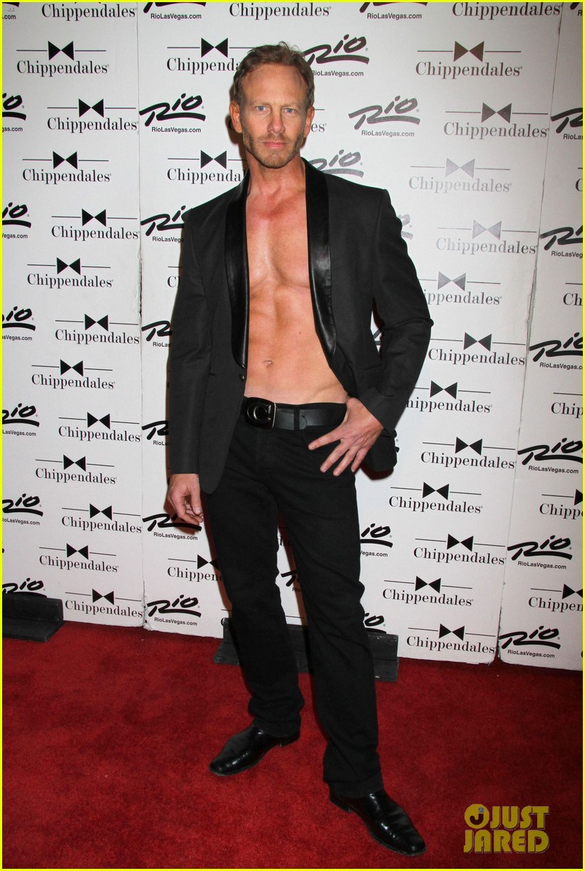 ian ziering shirtless chippendales debut 06