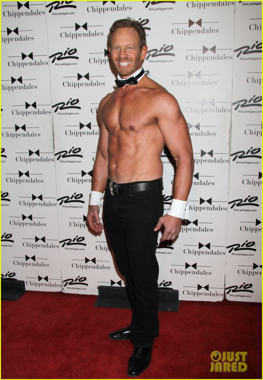 ian ziering shirtless chippendales debut 102887418