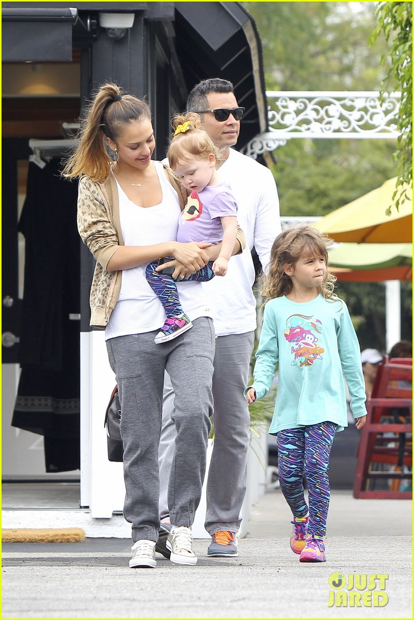 jessica alba cash warren sunday brunch with the girls 11