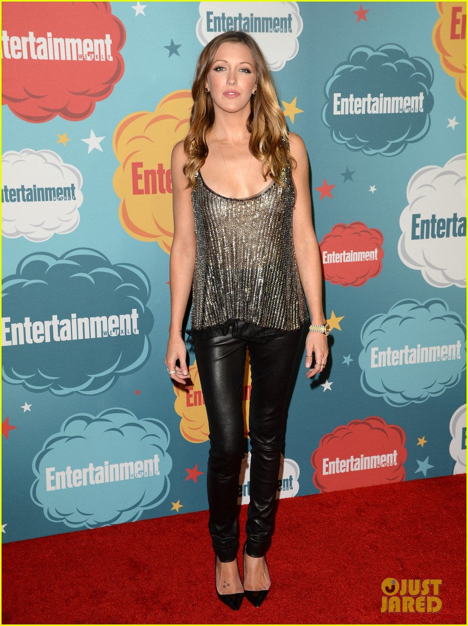 stephen amell katie cassidy arrow at ew comic con party 182913981