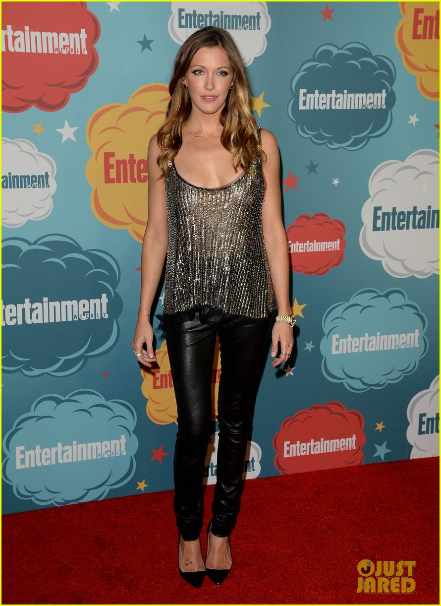 stephen amell katie cassidy arrow at ew comic con party 19