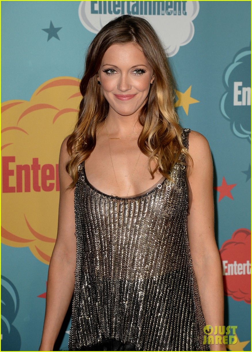 stephen amell katie cassidy arrow at ew comic con party 20