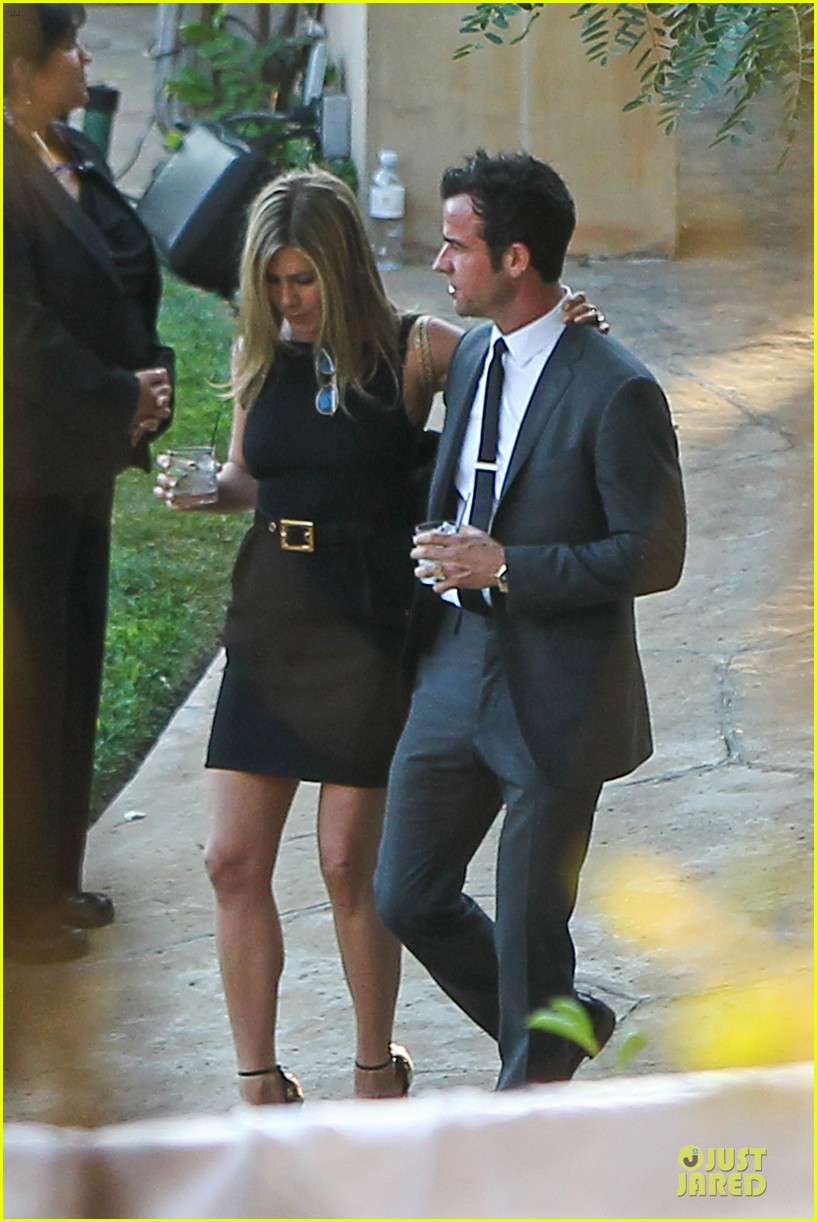 jennifer aniston justin theroux jimmy kimmel wedding guests 142909130