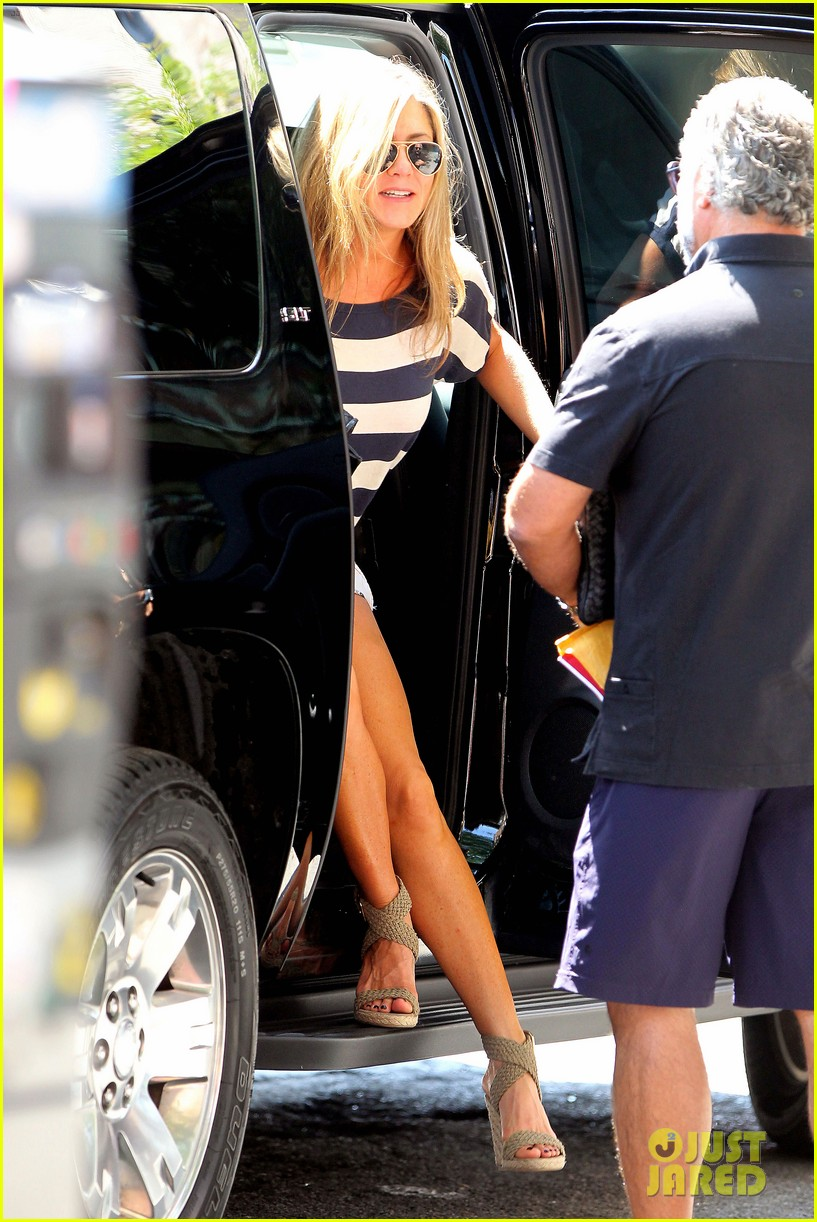 jennifer aniston on justin theroux we already feel married 08