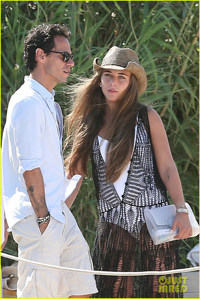 marc anthony chloe green club 55 in saint tropez 02