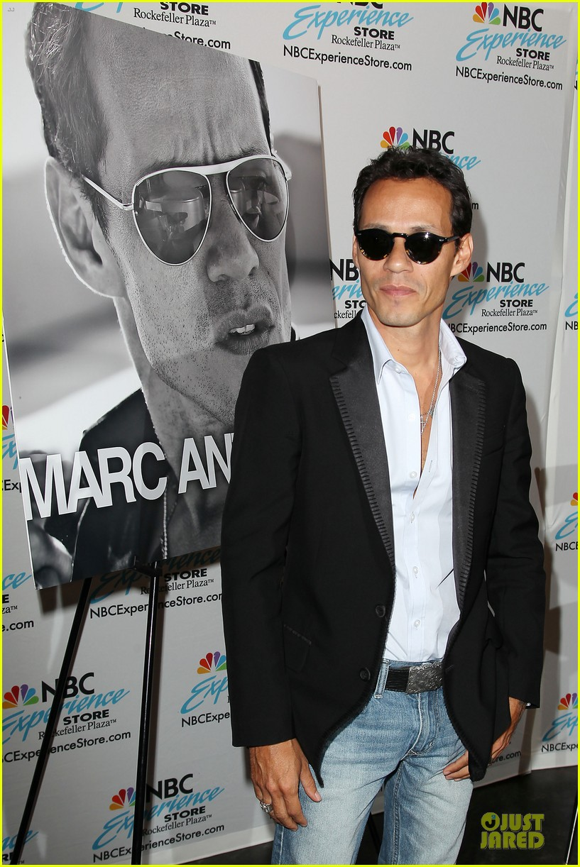 marc anthony chloe green marc anthony 3 album signing 292915484