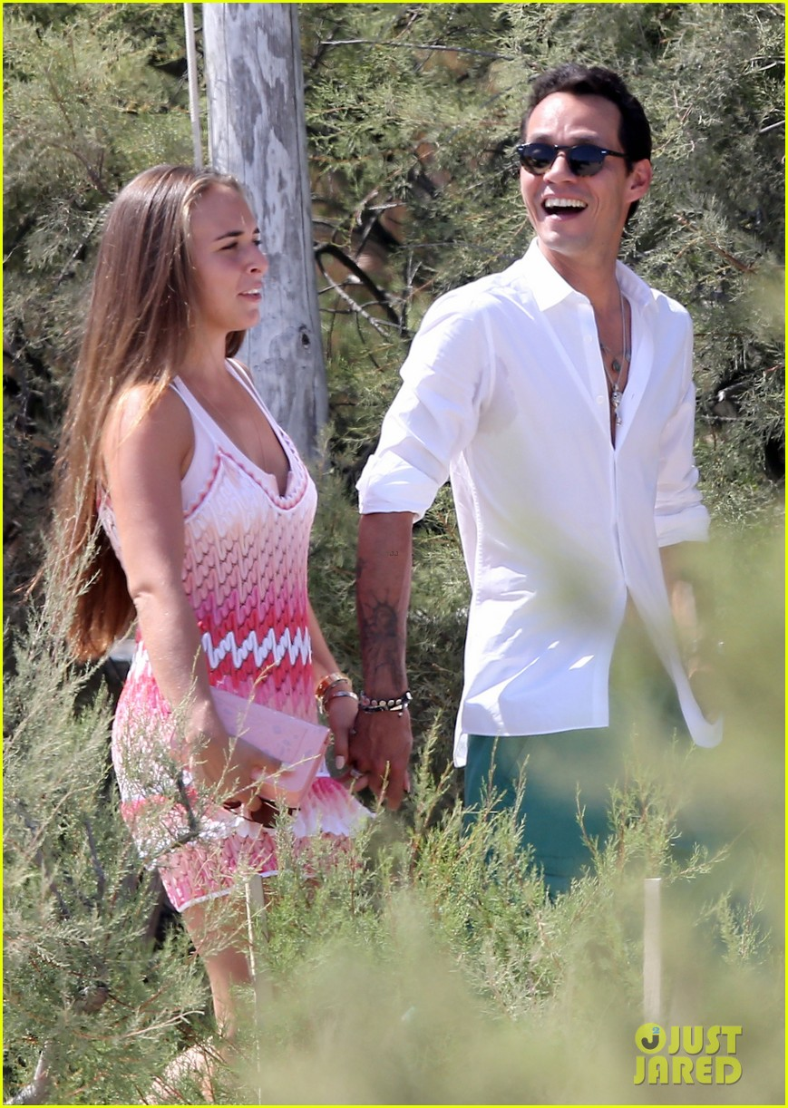 marc anthony chloe green st tropez vacation 092904819
