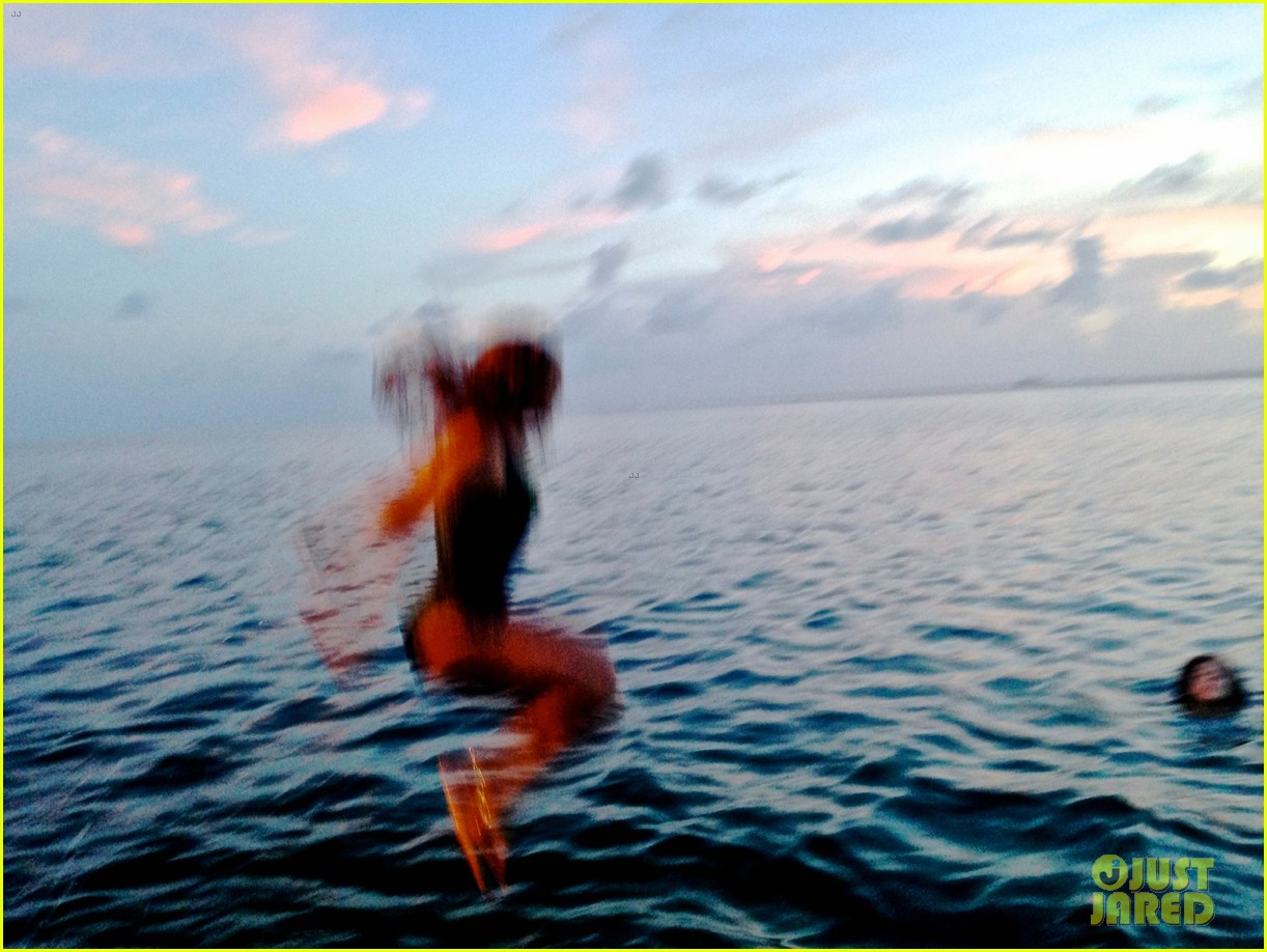 beyonce shares vacation photos with blue ivy 08