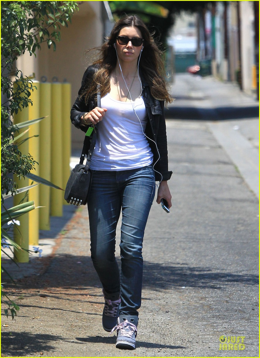 jessica biel summer leather love 09
