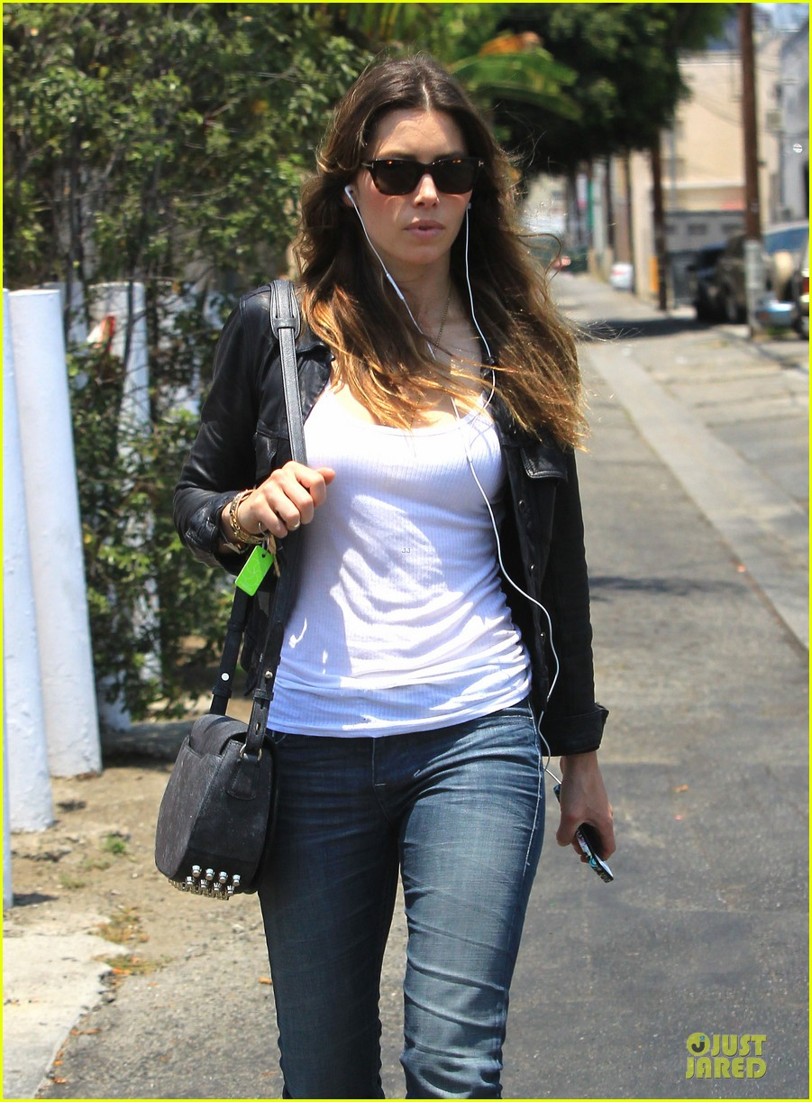 jessica biel summer leather love 15