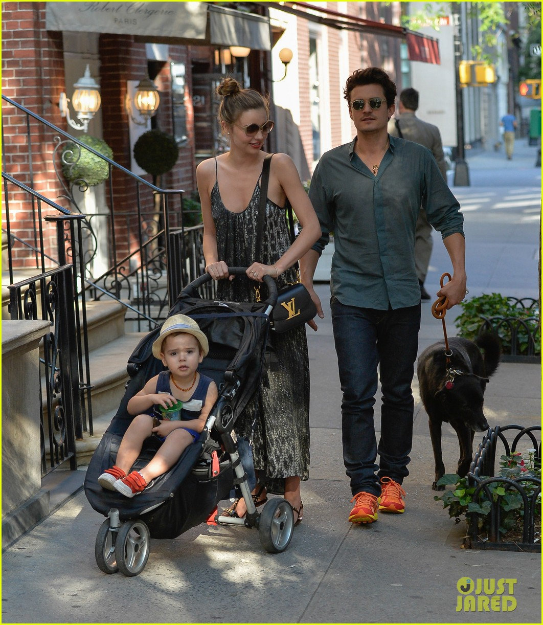 orlando bloom miranda kerr big apple stroll with flynn 052904088