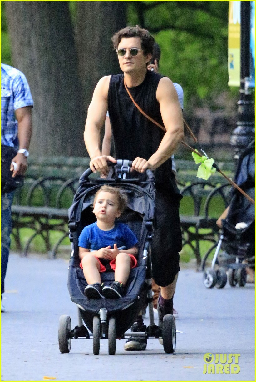 orlando bloom father son day with flynn 03