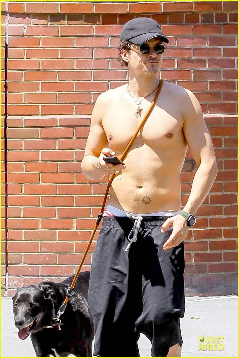 orlando bloom shirtless cool down with flynn sidi 21