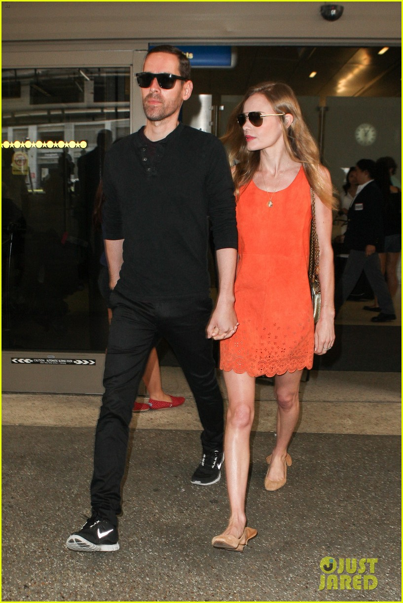 kate bosworth michael polish land at lax on july 4th 052904011