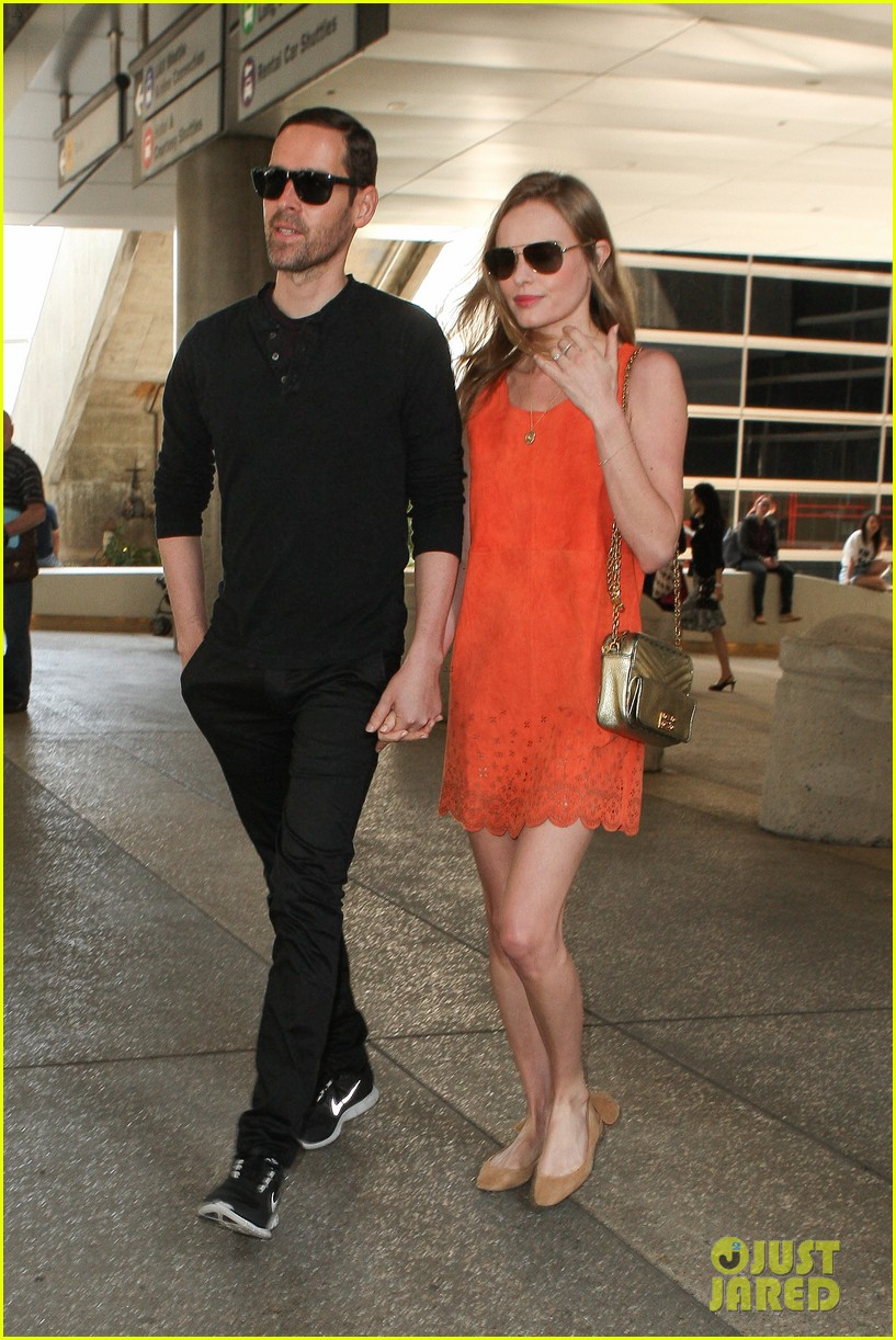 kate bosworth michael polish land at lax on july 4th 082904014