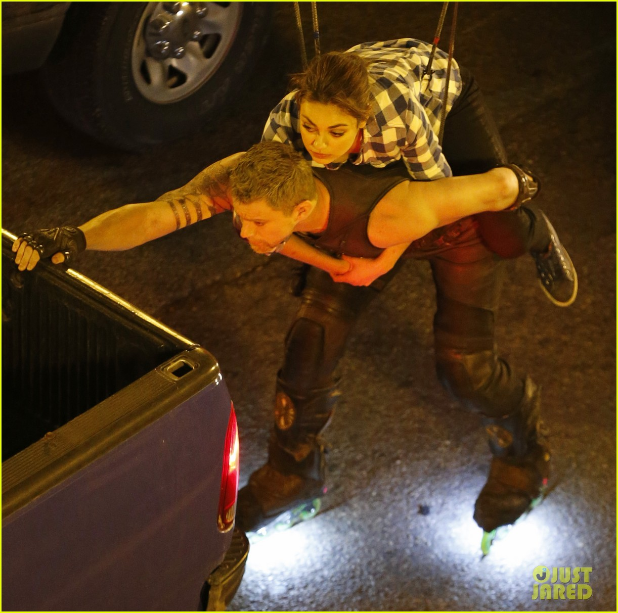 channing tatum mila kunis jupiter ascending stunts 04